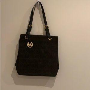 Non-Authentic Michale Kors Shoulder Bag Black
